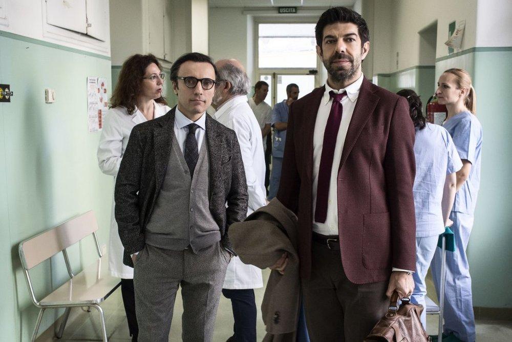 Moglie e marito: Pierfrancesco Favino e Valerio Aprea in una scena del film