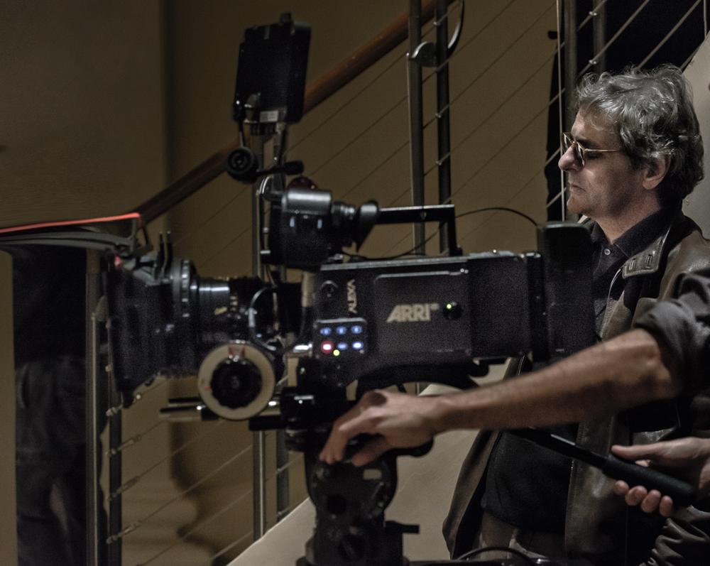 Piani paralleli: il regista Gianni Di Capua sul set del suo documentario