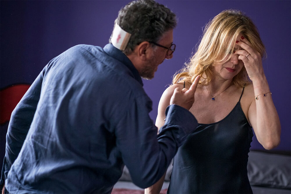 Piccoli crimini coniugali: Margherita Buy e Sergio Castellitto in un'immagine tratta dal film