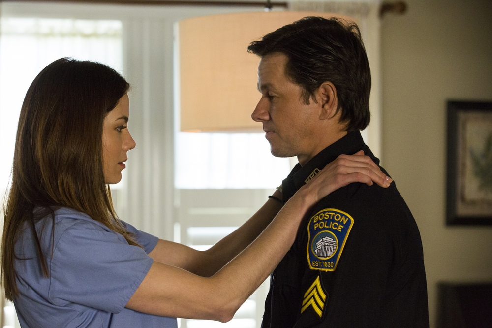 Boston - Caccia all'uomo: Mark Wahlberg e Michelle Monaghan in una scena del film