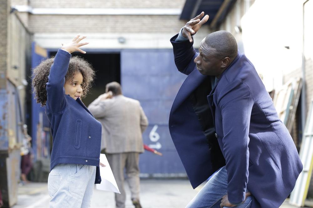 Famiglia all'improvviso - Istruzioni non incluse: Omar Sy e Gloria Colston in un momento del film