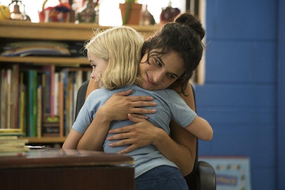 Gifted - Il dono del talento: Jenny Slate e Mckenna Grace in una scena del film