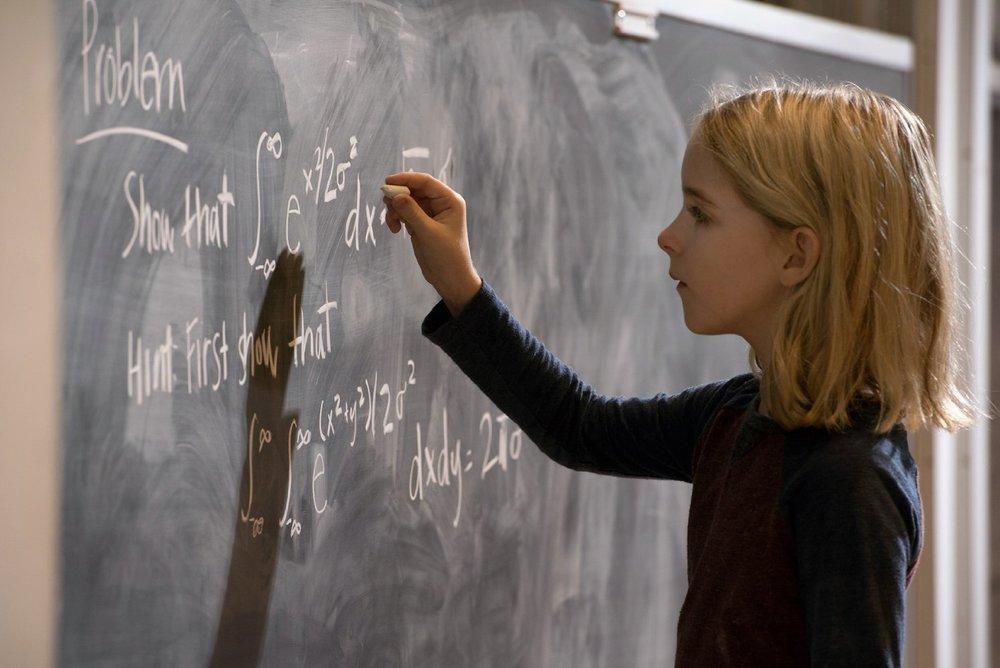 Gifted - Il dono del talento: Mckenna Grace in una scena del film