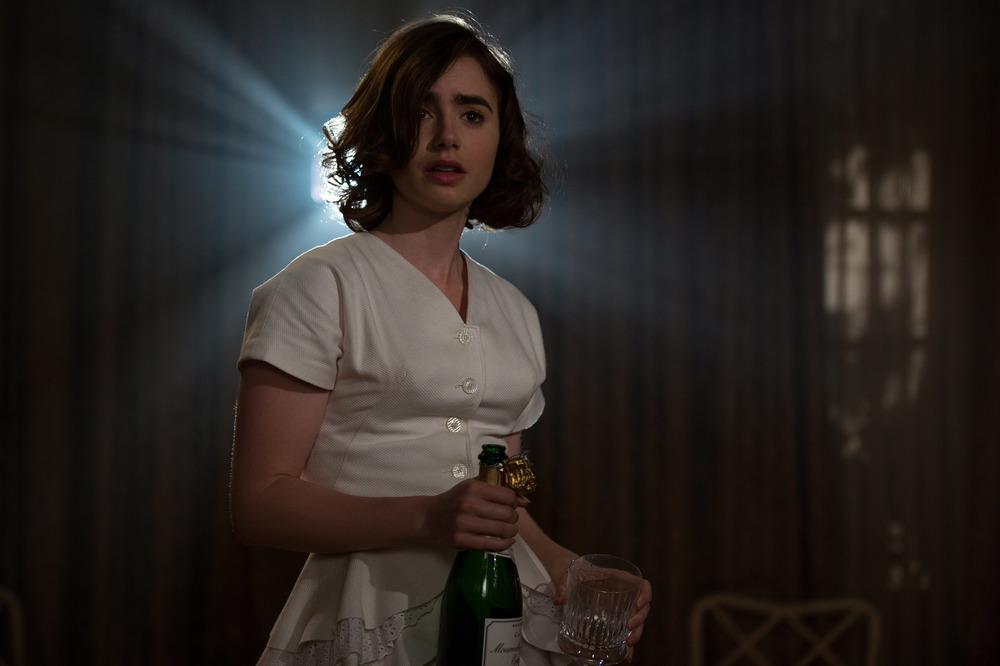 L'eccezione alla regola: Lily Collins in una scena del film