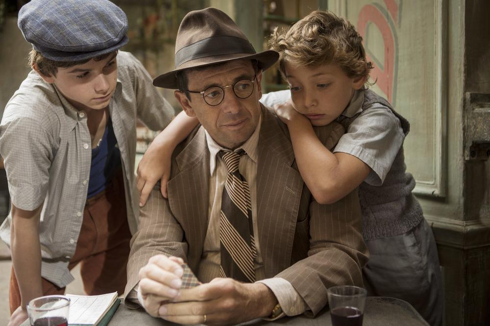 Un sacchetto di biglie: Patrick Bruel, Dorian Le Clech e Batyste Fleurial in una scena del film