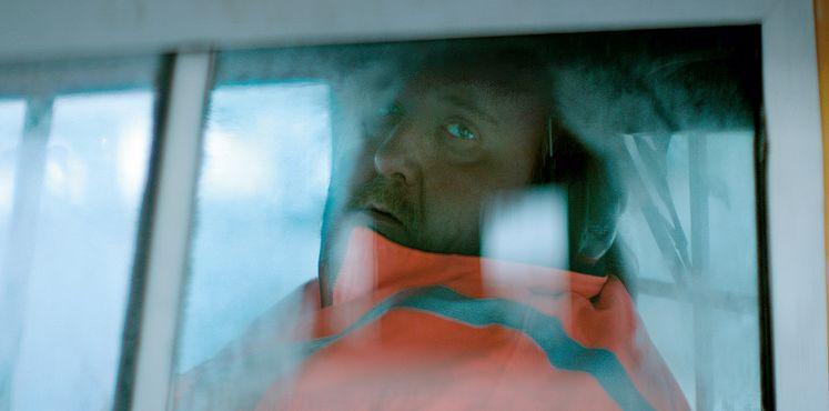 Virgin Mountain: Gunnar Jónsson in una scena del film