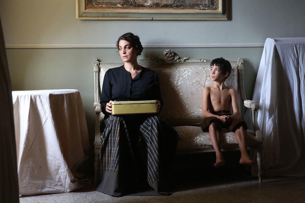 L'accabadora: Donatella Finocchiaro in un'immagine del film