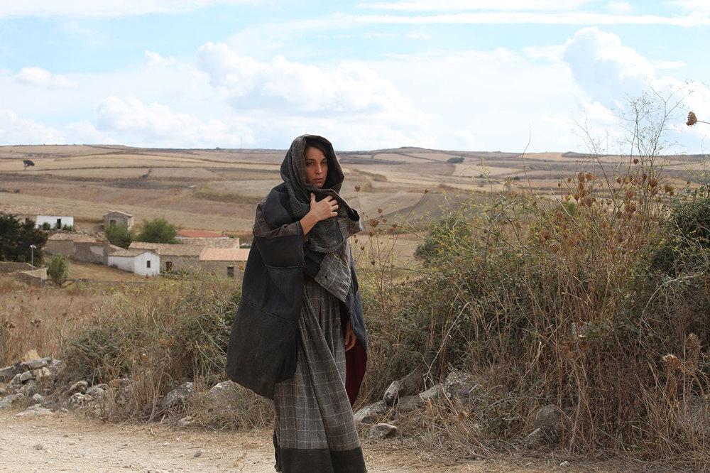 L'accabadora: Donatella Finocchiaro in una scena del film
