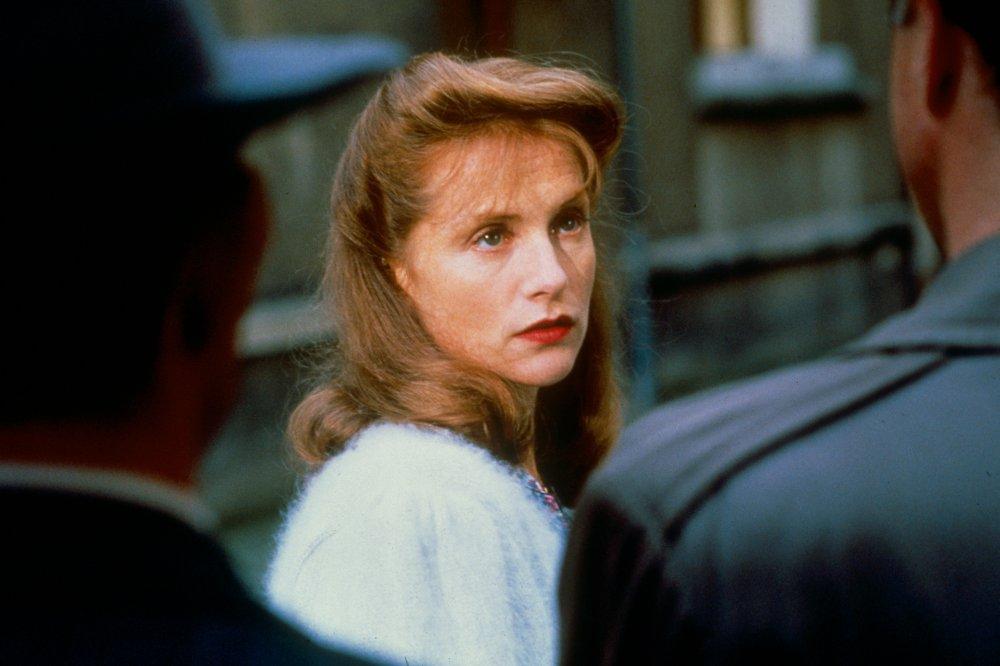 Un affare di donne: Isabelle Huppert in una scena del film