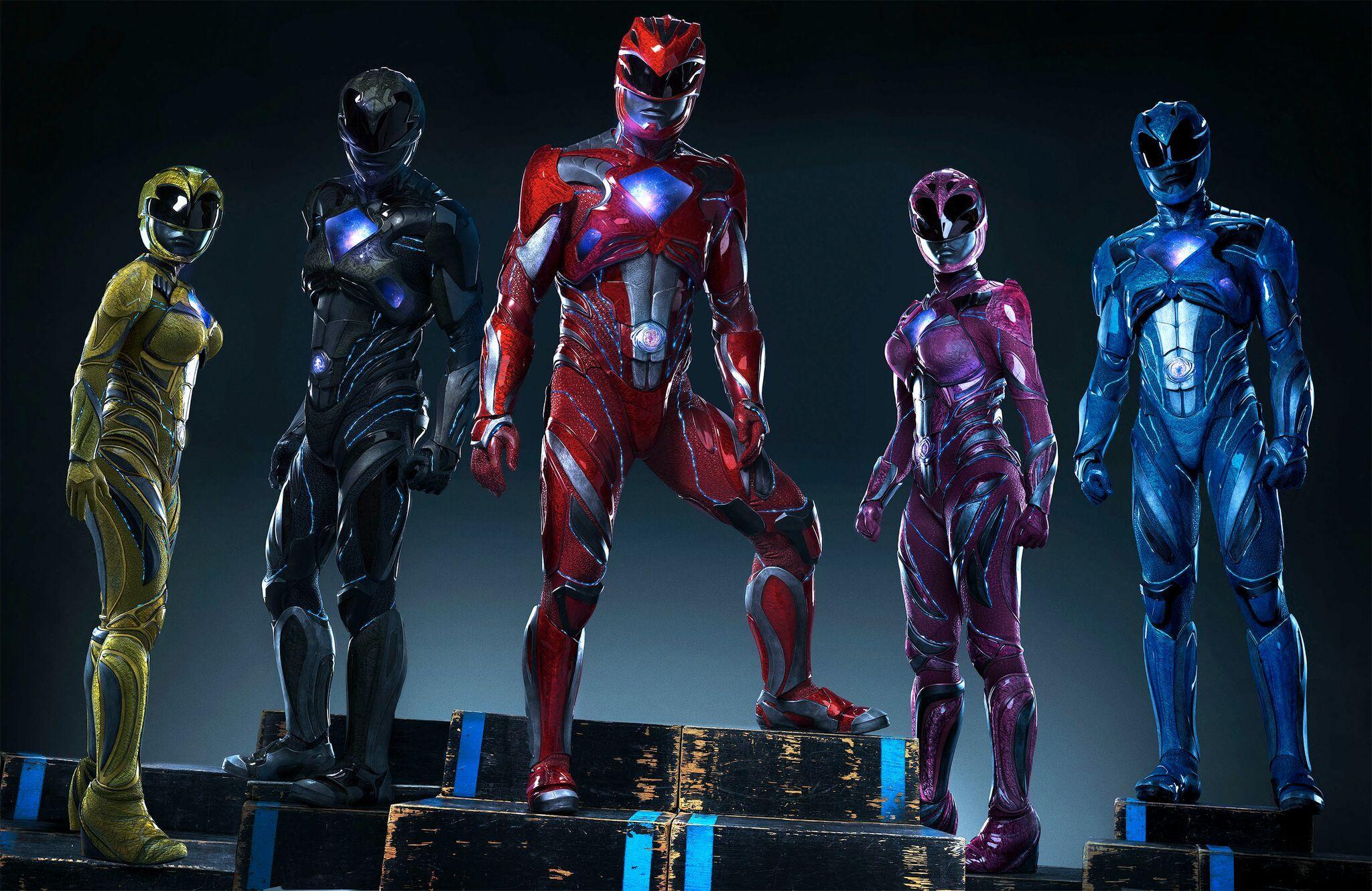 Power Rangers: la foto dei protagonisti in costume