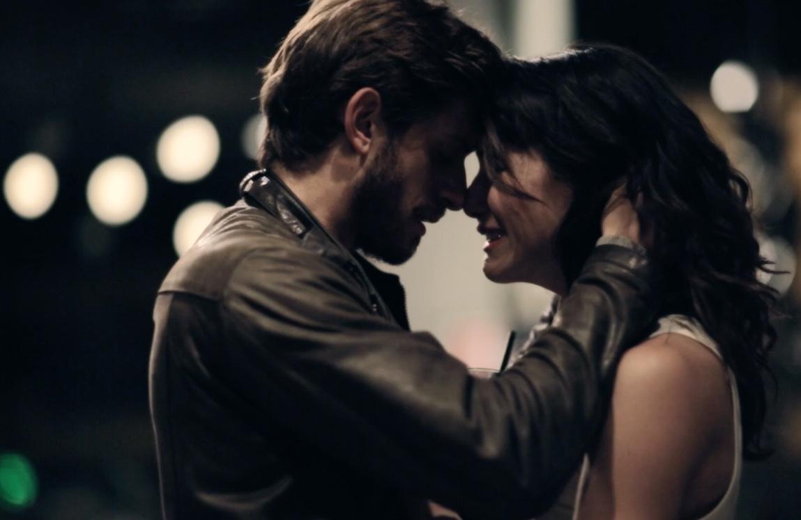 Acqua di marzo: Rossella D'Andrea e Roberto Caccioppoli in una scena del film