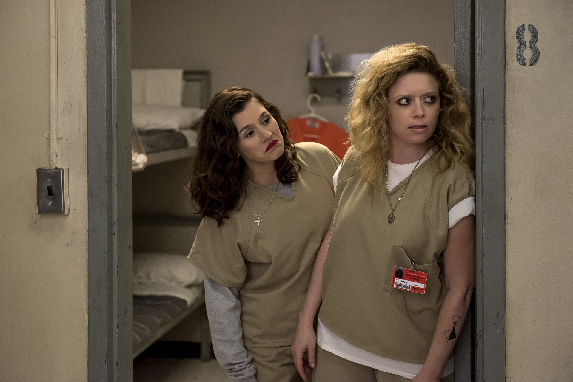 Orange Is The New Black: una foto di Natasha Lyonne e Yael Stone