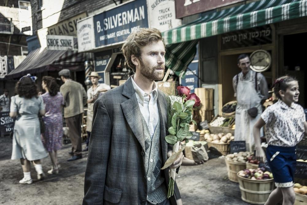 La storia dell'amore: Mark Rendall in una scena del film