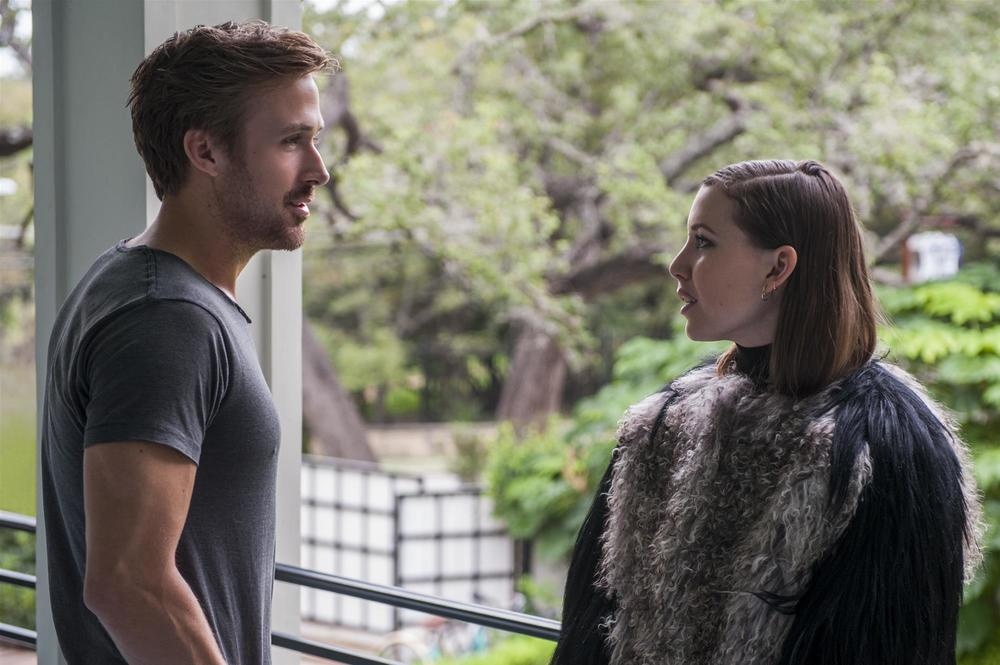 Song to Song: Ryan Gosling e Lykke Li in una scena del film