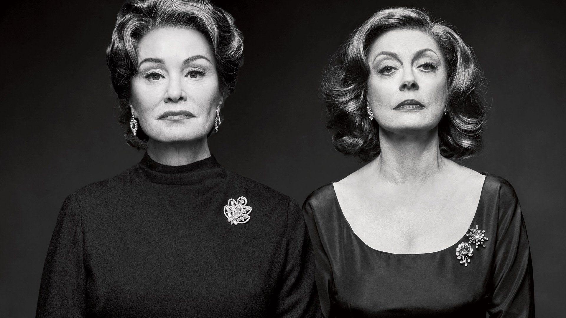 Feud: Jessica Lange e Susan Sarandon in un'immagine promozionale