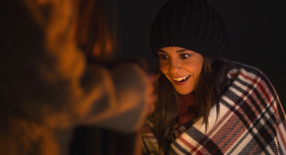 Qualcosa di troppo: Alice Belaïdi in un momento del film