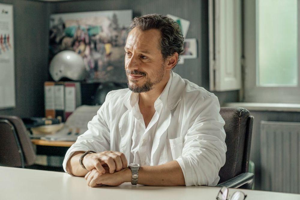 Fortunata: Stefano Accorsi in una scena del film