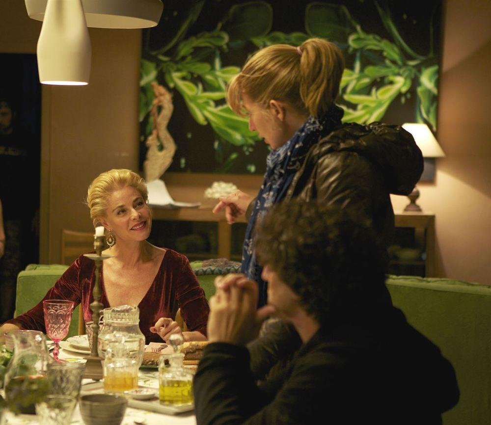 La notte che mia madre ammazzò mio padre: Belén Rueda, la regista Inés París e Diego Peretti sul set del film