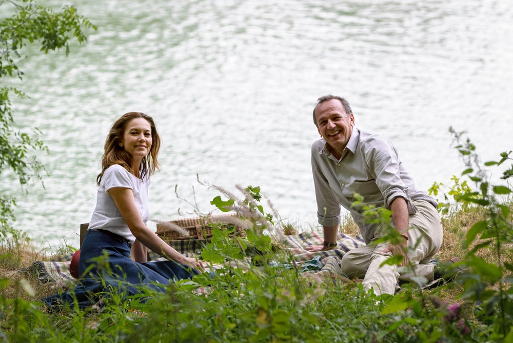 Paris Can Wait: Arnaud Viard e Diane Lane in una scena del film