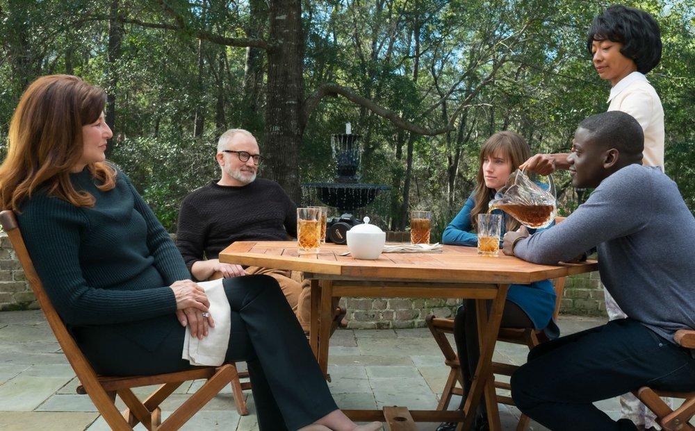 Scappa - Get Out: Catherine Keener, Bradley Whitford, Allison Williams e Daniel Kaluuya in una scena del film