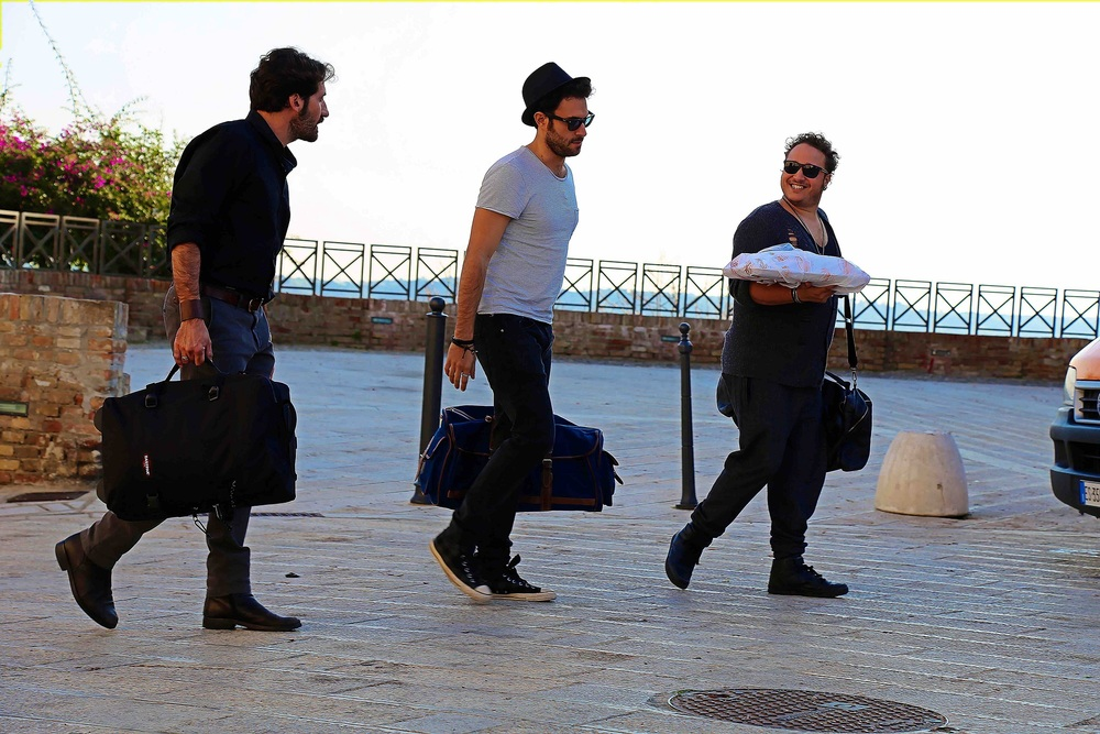 Taranta on the Road: Alessio Vassallo, Helmi Dridi e Emmanuele Aita in una scena del film