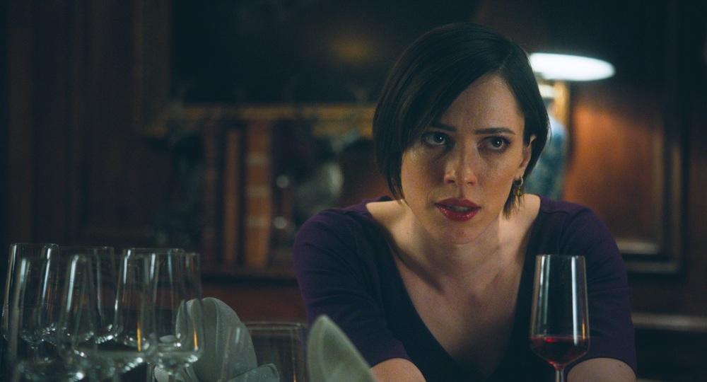 The Dinner: Rebecca Hall in una scena del film