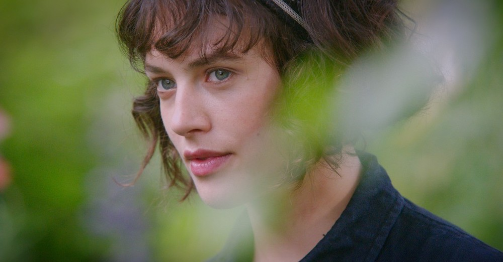 This Beautiful Fantastic: Jessica Brown Findlay in un momento del film