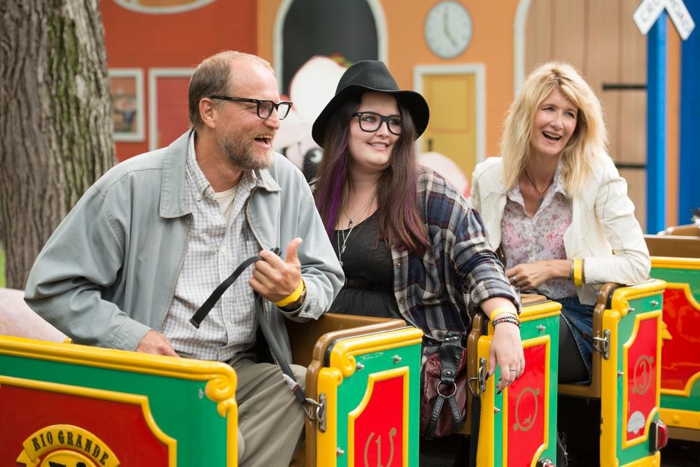Wilson: Woody Harrelson, Isabella Amara e Laura Dern in una scena del film