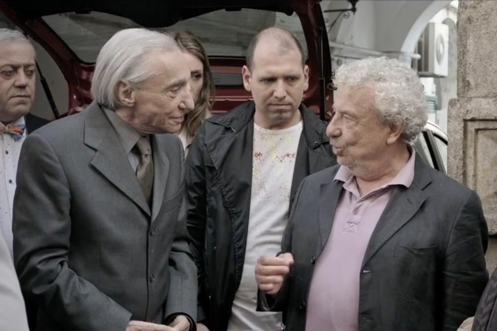 E se mi comprassi una sedia?: Benedetto Casillo e Sergio Solli in una scena del film