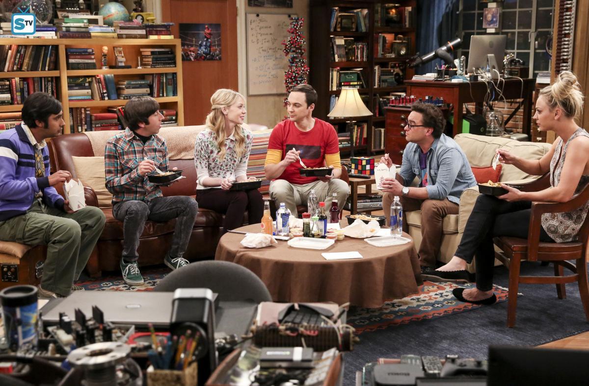 The Big Bang Theory: una scena di gruppo nel finale della decima stagione