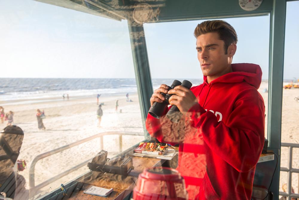 Baywatch: Zac Efron in una scena del film