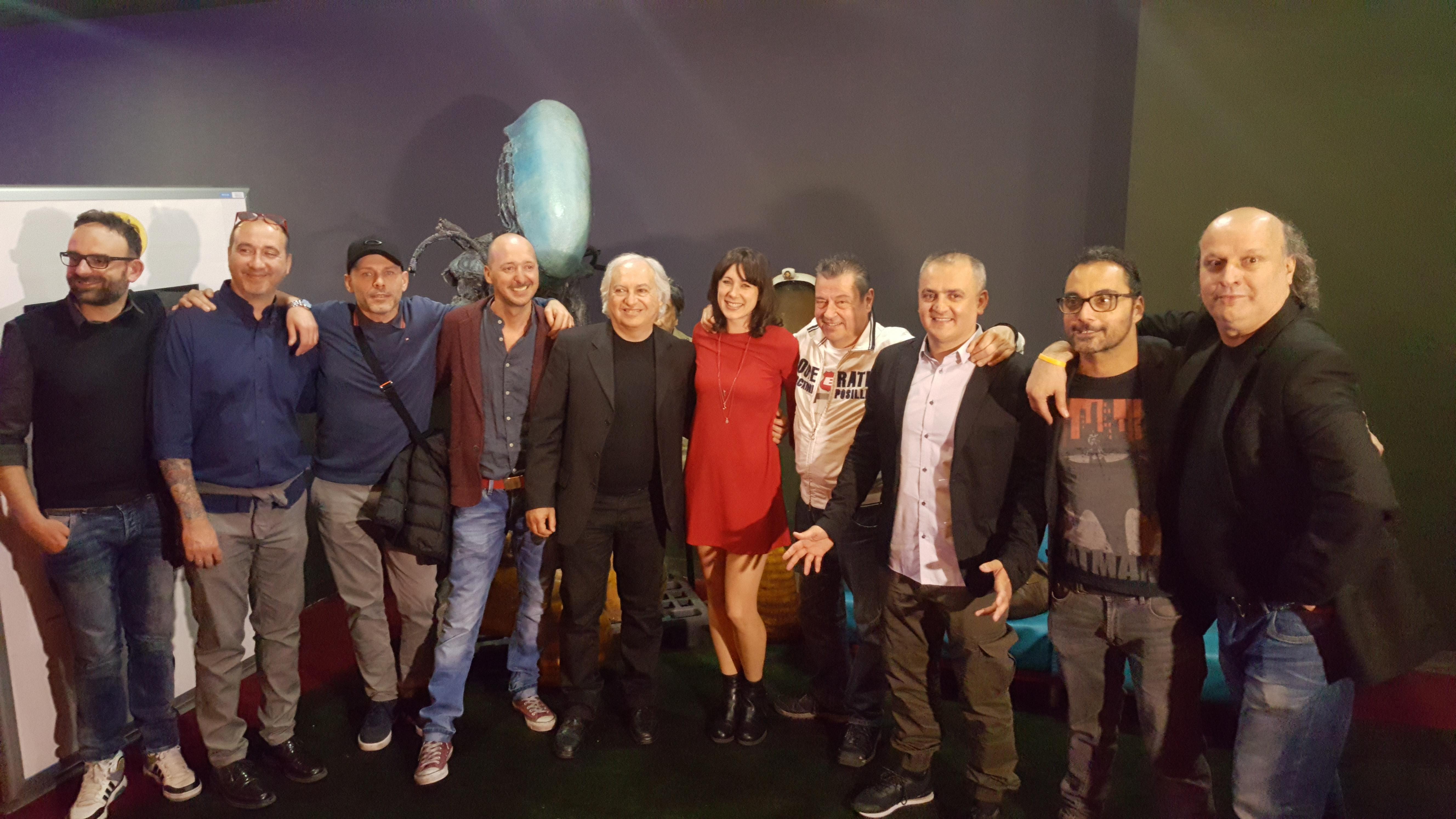 Aglien: il cast al completo col regista Andrea Camerini a Campi Bisenzio