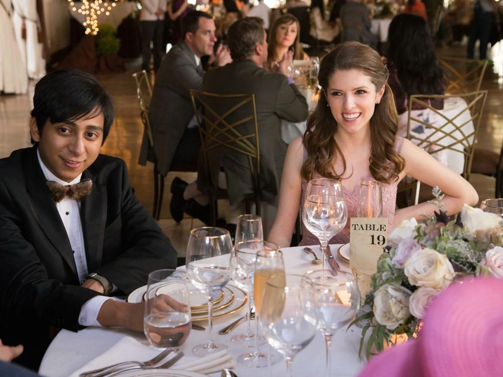 Tavolo n. 19: Anna Kendrick e Tony Revolori in una scena del film