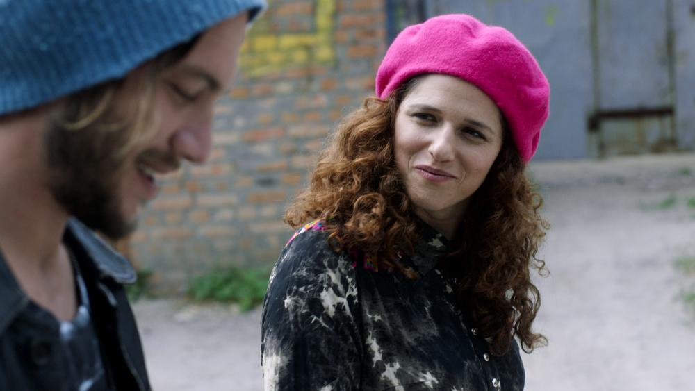 Un appuntamento per la sposa: Noa Koller e Oz Zehavi in una scena del film