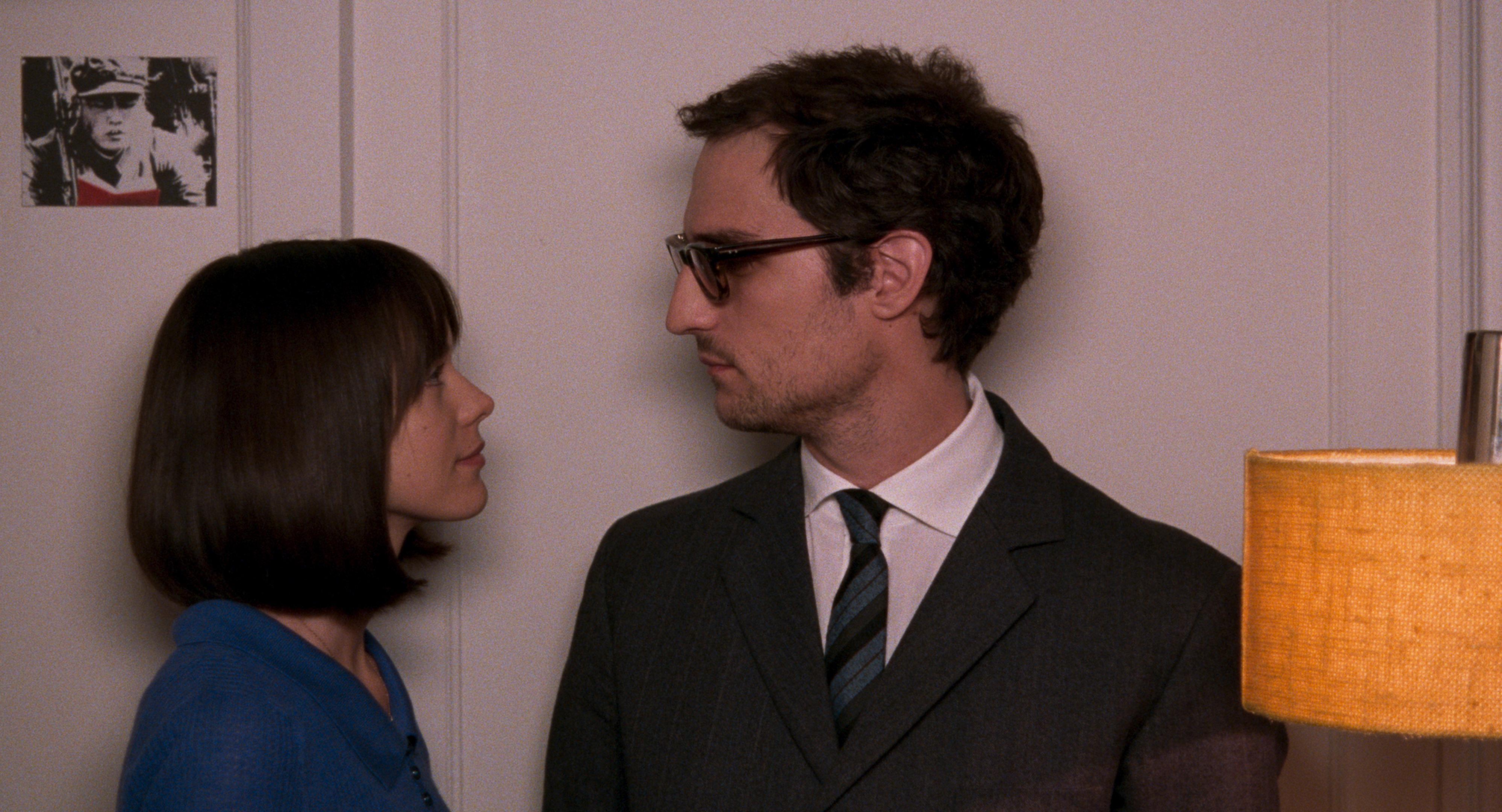 Formidabile: Louis Garrel e Stacy Martin in una scena