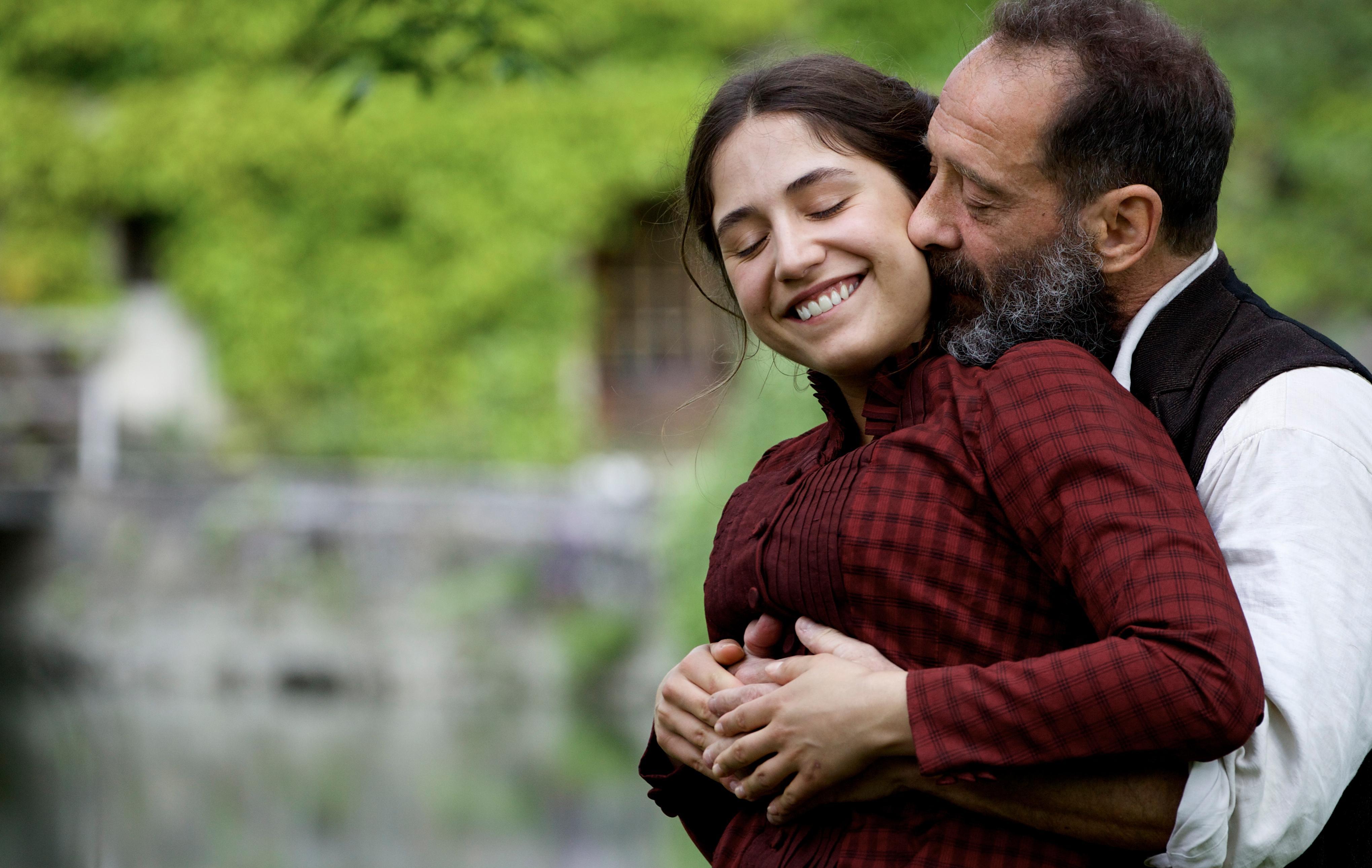 Rodin: Vincent Lindon e Izïa Higelin in un momento romantico