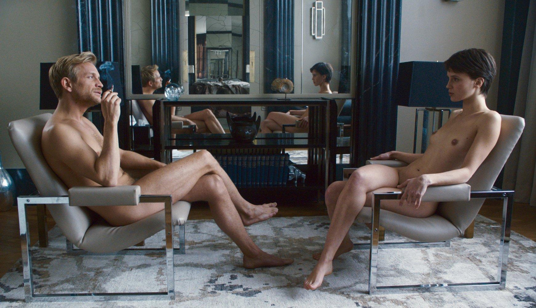 L'amant double: Jérémie Renier e Marine Vacth nudi in una scena