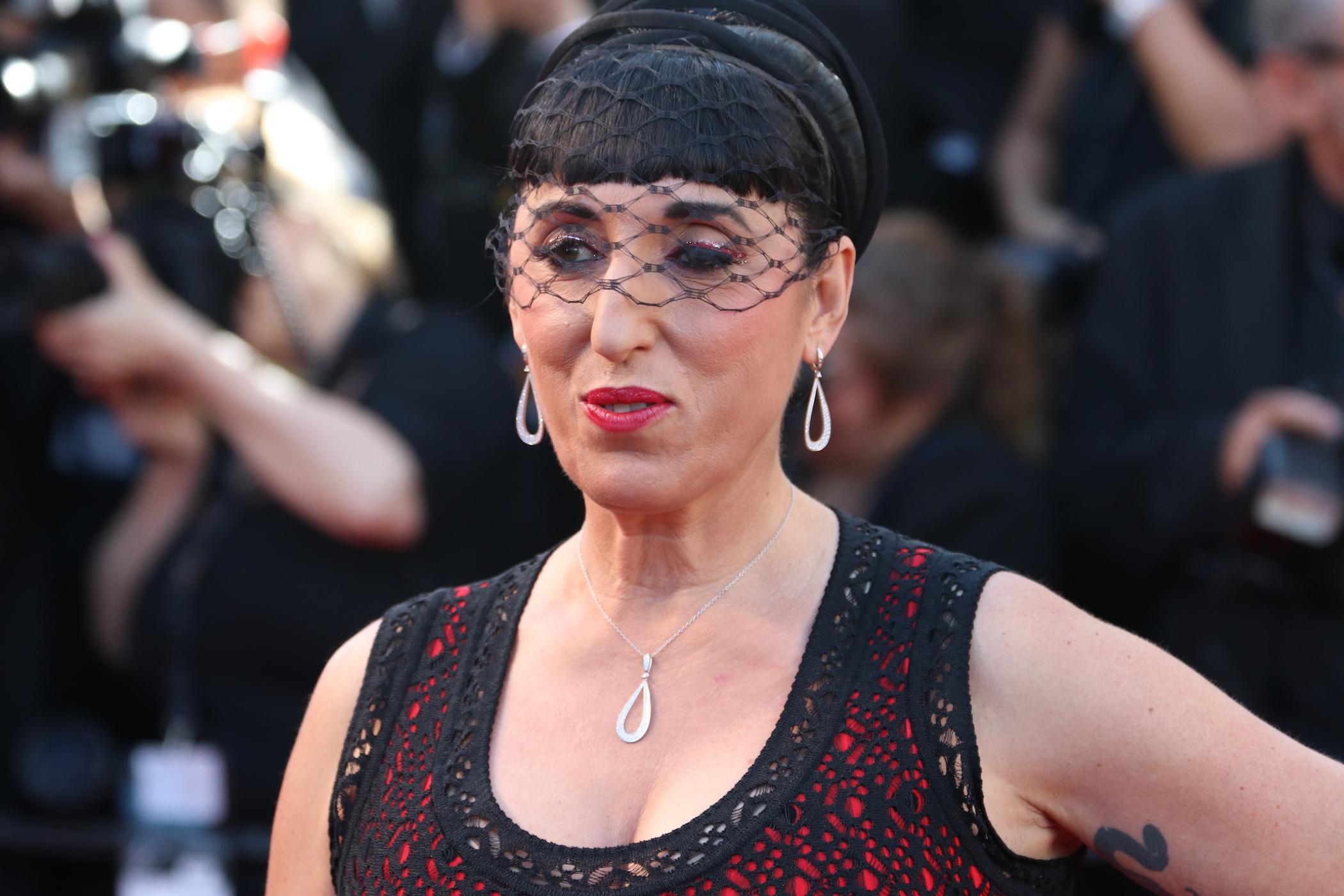 Cannes 2017: Rossy de Palma sul red carpet inaugurale