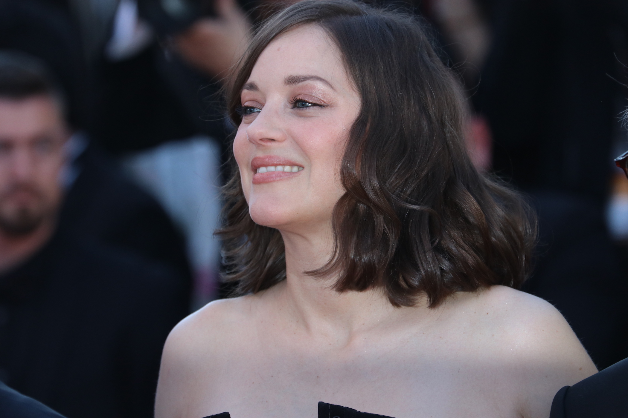 Cannes 2017: Marion Cotillard sul red carpet inaugurale