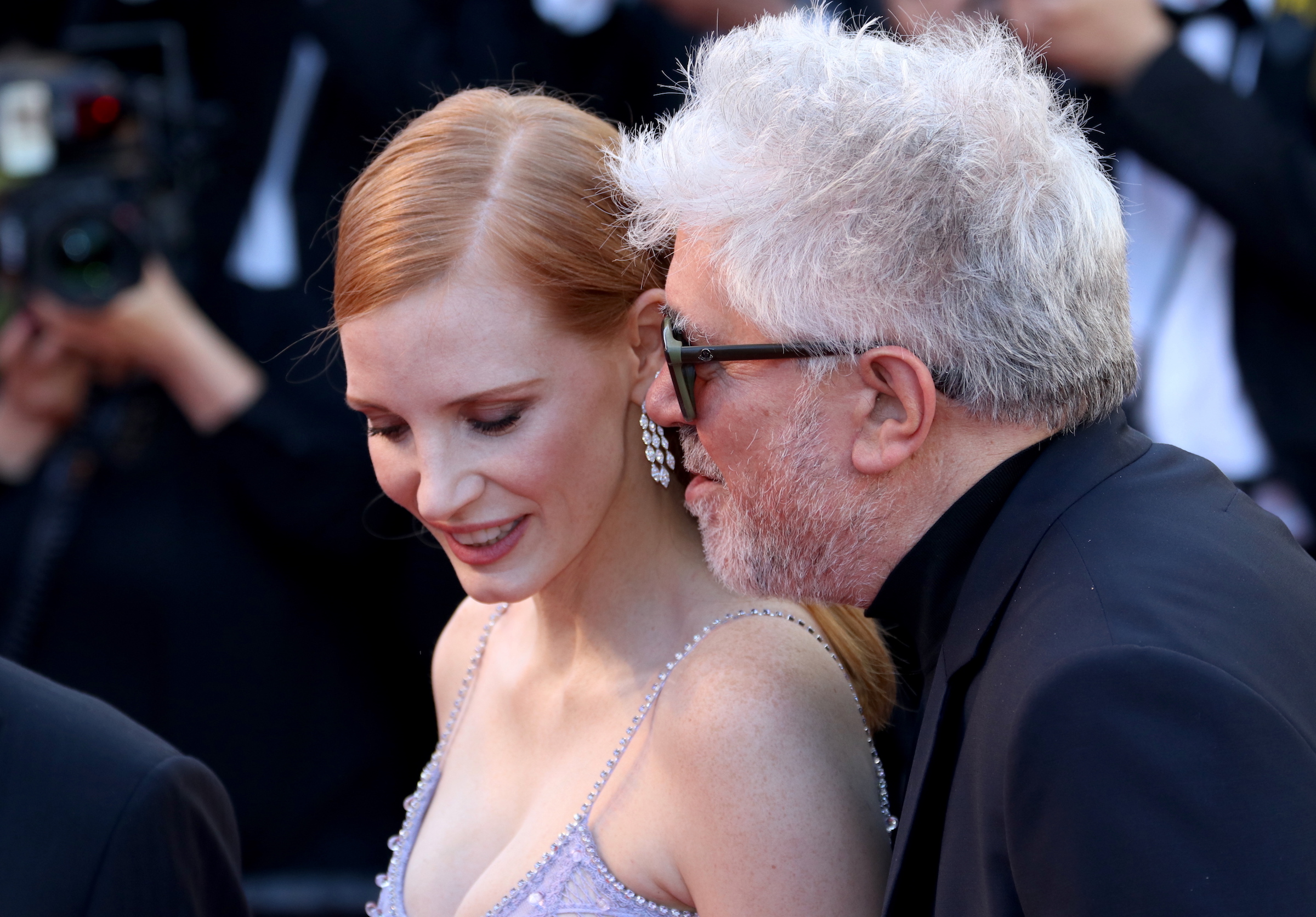 Cannes 2017: Pedro Almodovar e Jessica Chastain sul red carpet di Okja