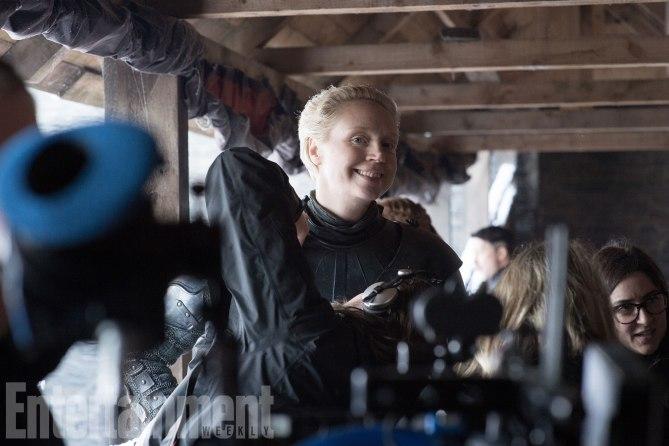 Il Trono di Spade: l'attrice Gwendoline Christie durante le riprese