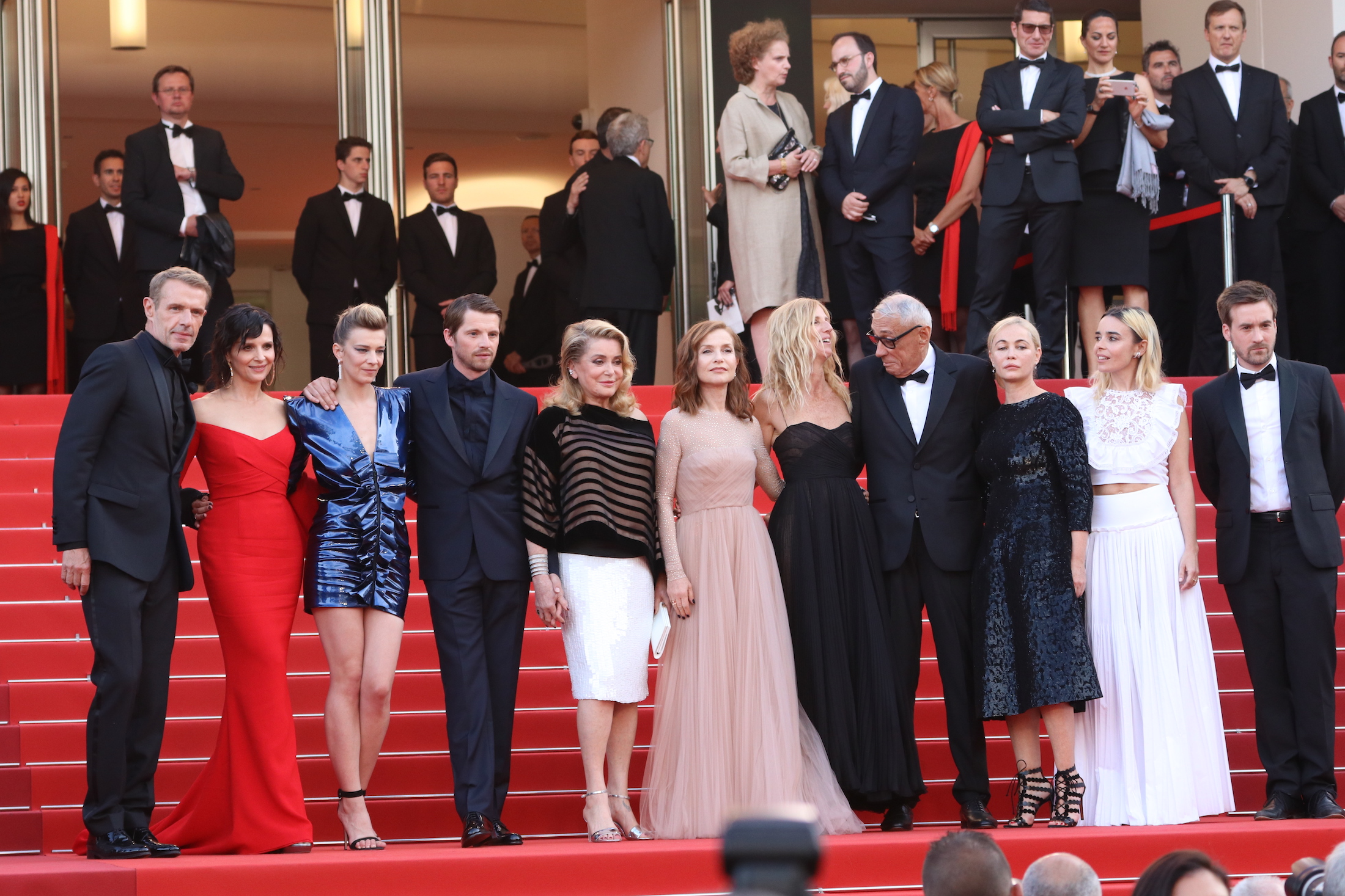 Cannes 2017: Juliette Binoche, Catherine Deneuve, Isabelle Huppert,  sul red carpet di The Killing of a Sacred Deer