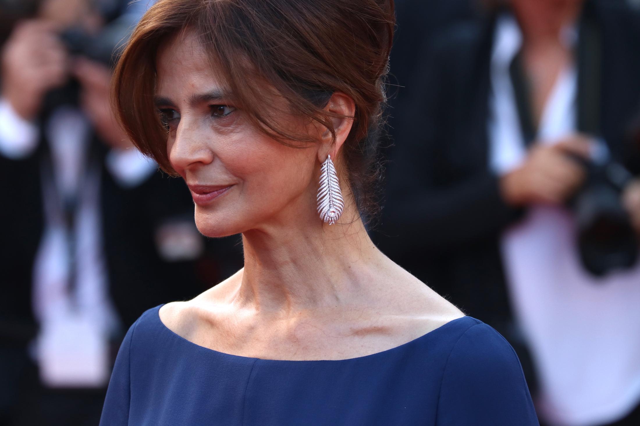 Cannes 2017: Laura Morante sul red carpet per il settantesimo anno della manifestazione