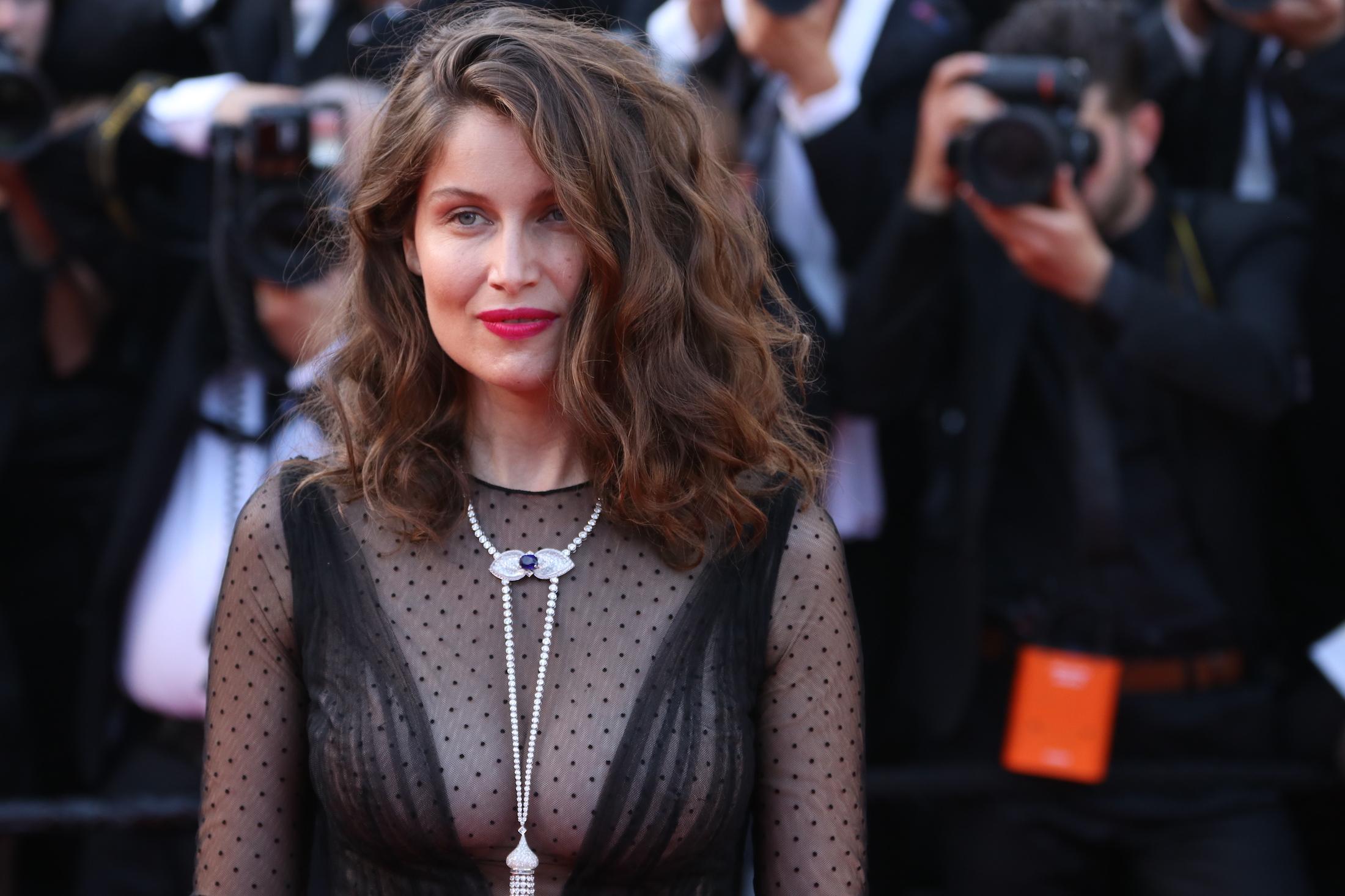 Cannes 2017: Laetitia Casta sul red carpet per il settantesimo anno della manifestazione