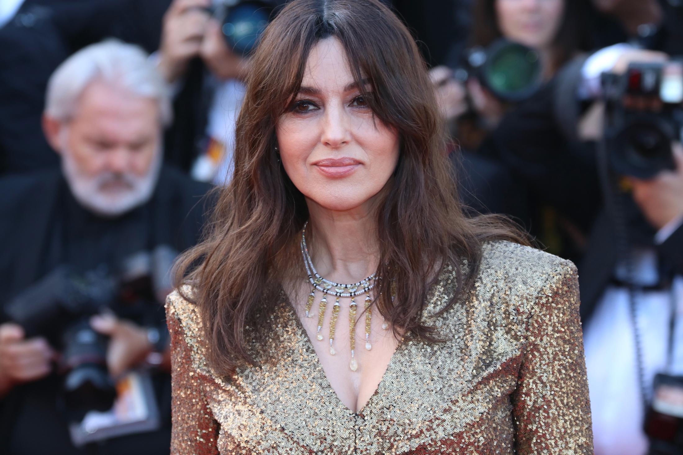 Cannes 2017: Monica Bellucci sul red carpet per il settantesimo anno della manifestazione