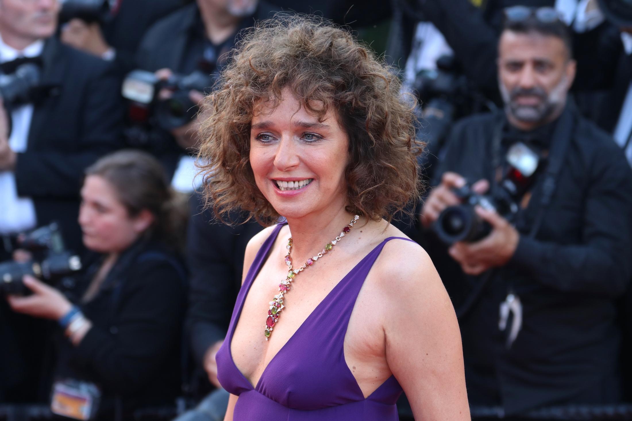 Cannes 2017: Valeria Golino sul red carpet per il settantesimo anno della manifestazione