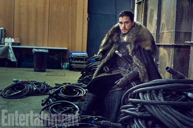 Il trono di spade: Kit Harington in una foto di EW