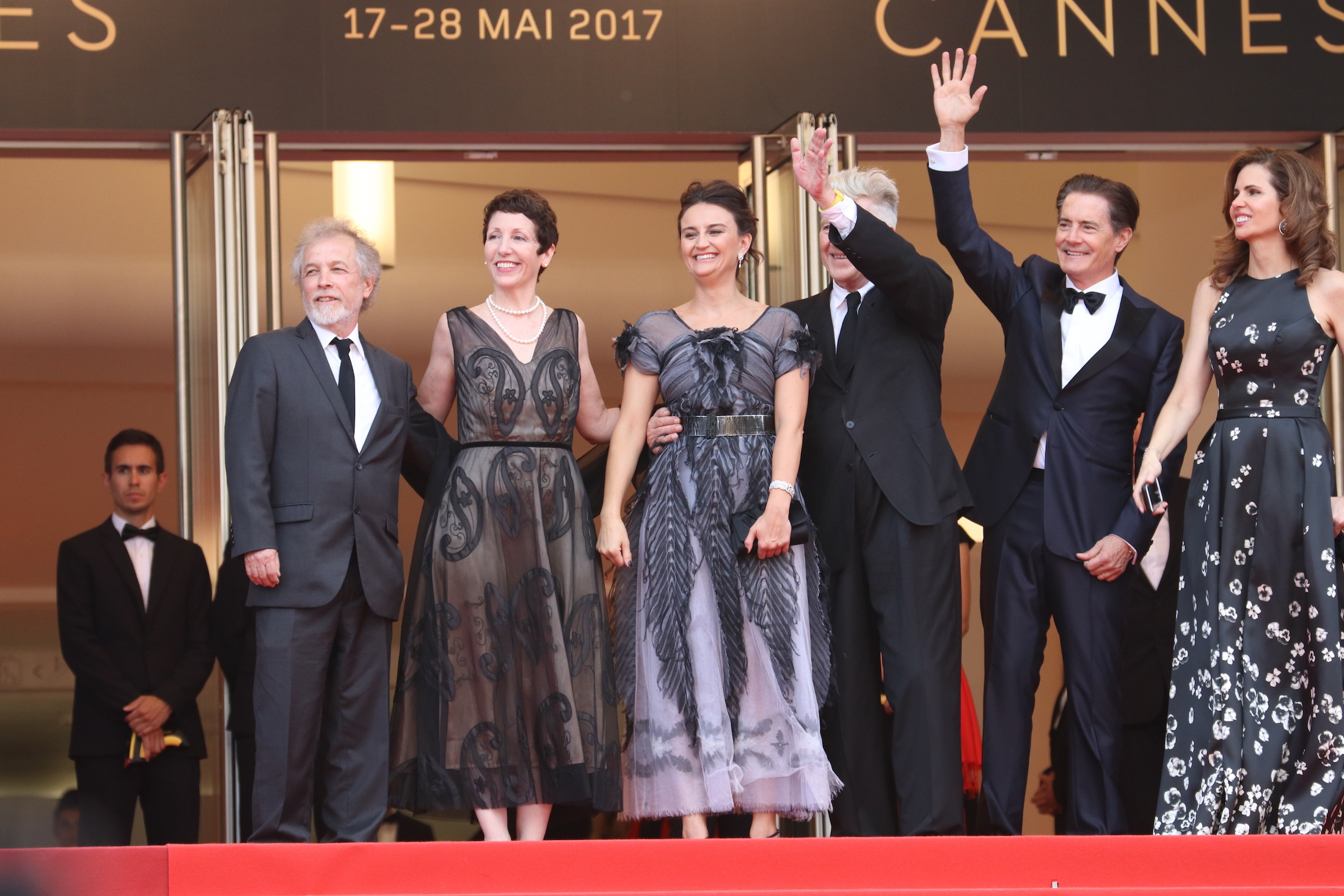 Cannes 2017: Kyle MacLachlan e David Lynch salutano i fan sul red carpet di Twin Peaks