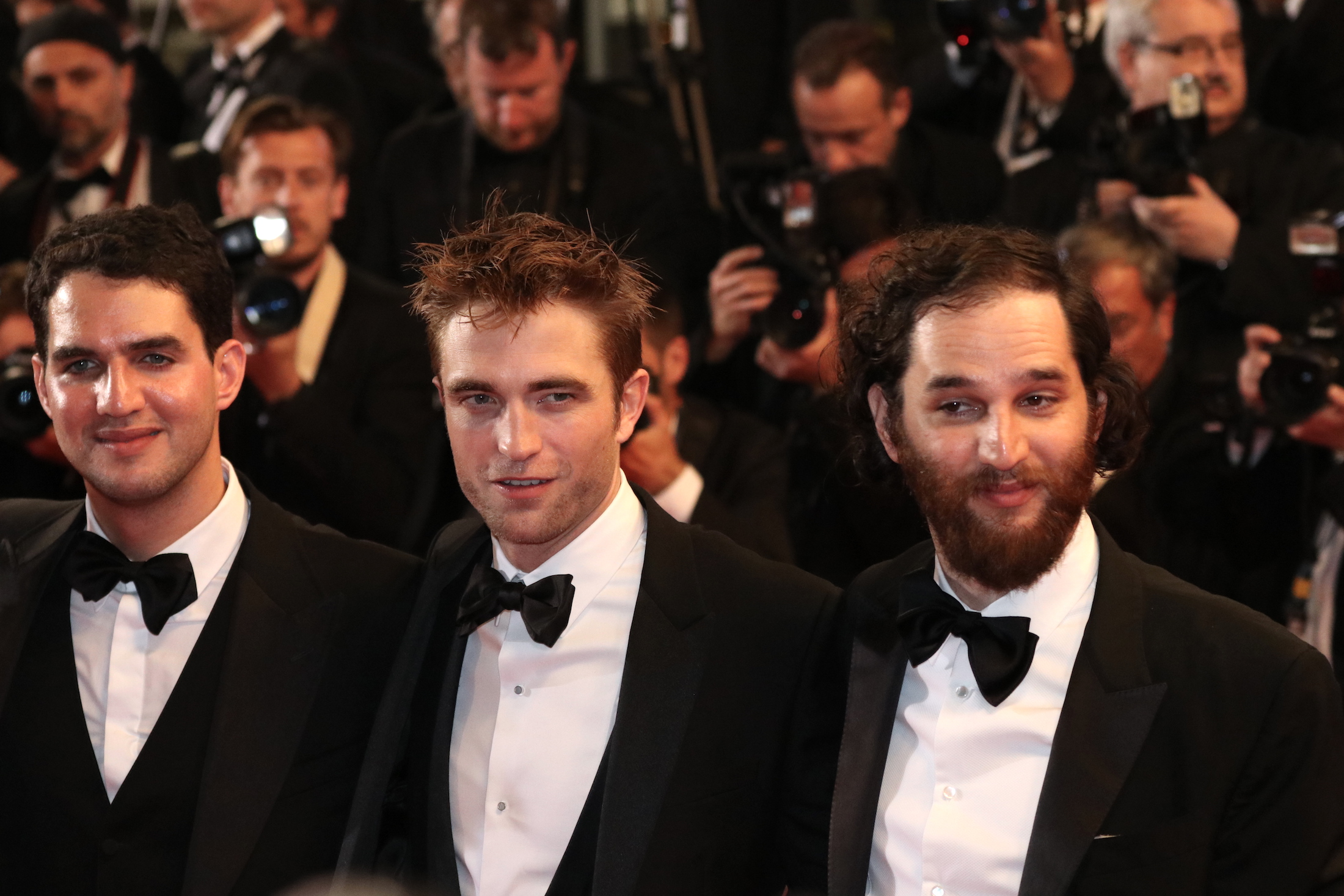 Cannes 2017: Robert Pattinson in uno scatto con i registi sul red carpet di Good Time