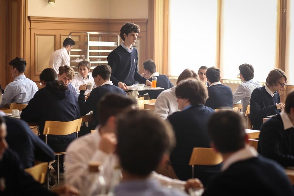 I figli della notte: Vincenzo Crea in una scena del film